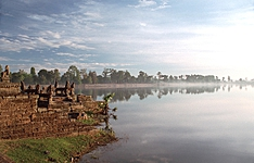 Splendeurs khmères d\'Angkor au Tonle Sap