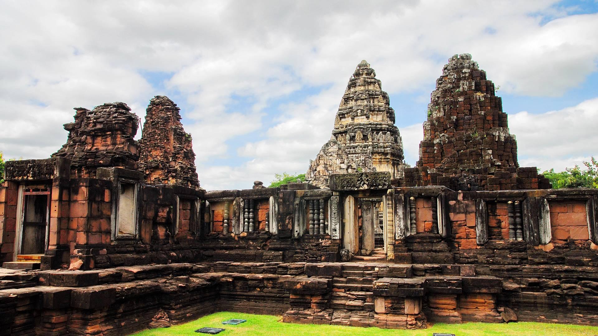Isan, de l'empire khmer à la Thaïlande rurale et traditionnelle