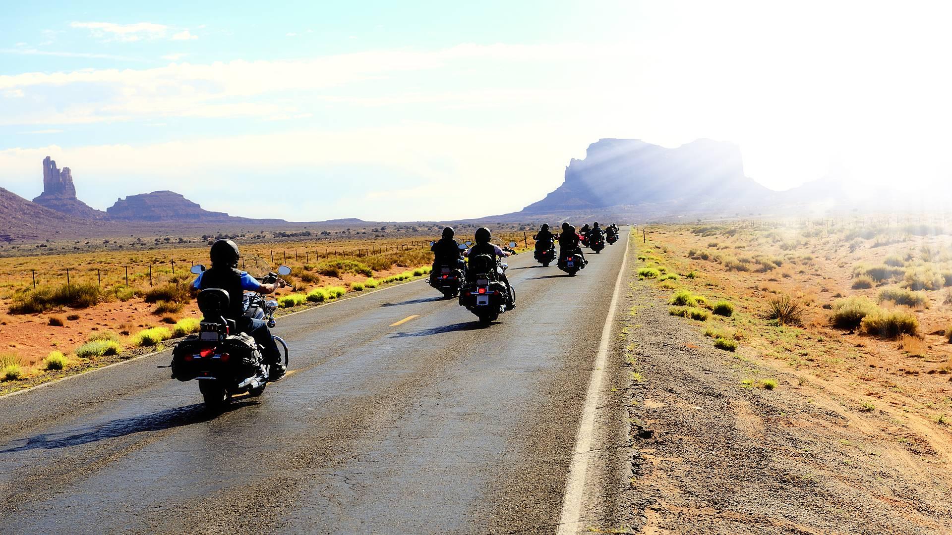 Il grande ovest in moto in gruppo
