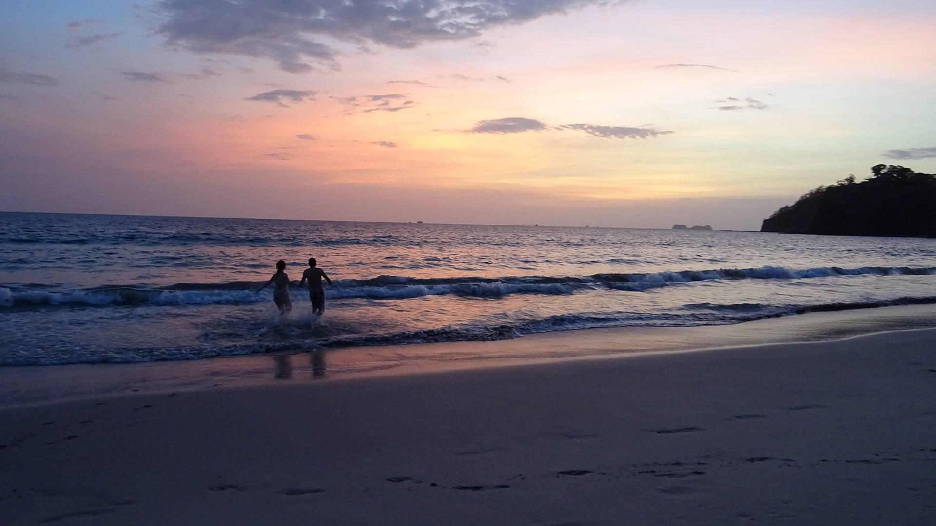 Romantik und Abenteuer inmitten tropischer Natur