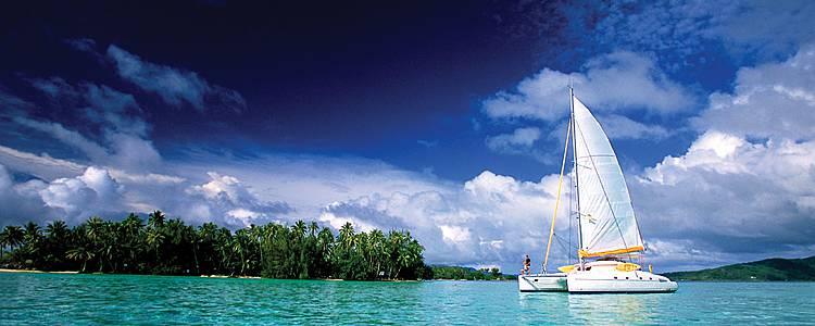 En voilier sur les lagons polynésiens