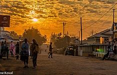 Séjour solidaire, Tsingy, allée des baobabs et pirogue sur la Tsiribihina