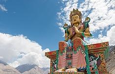 En juillet, festival d\'Hemis au Ladakh et triangle d\'or