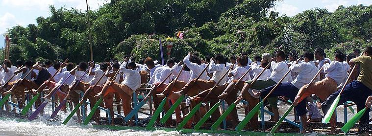 Rameurs Birmans