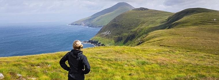 Femme voyageant seule en Irlande