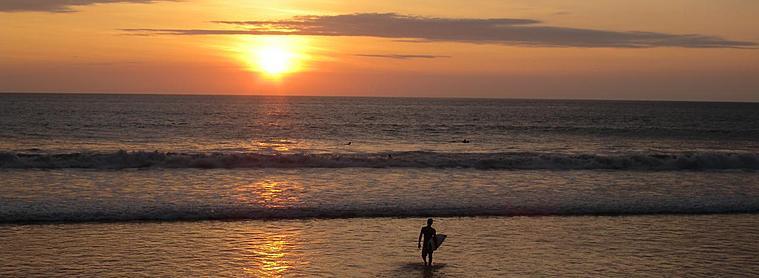 A Montañita, fiesta, surf et farniente sont au programme !