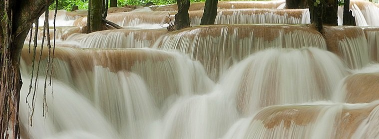 Rivière dans le plateau des Bolaven...