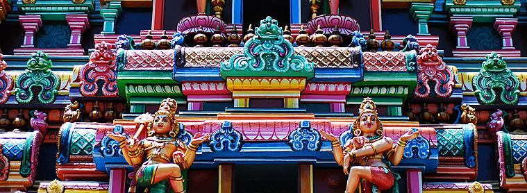 Main dans la main, parcourez les temples indiens