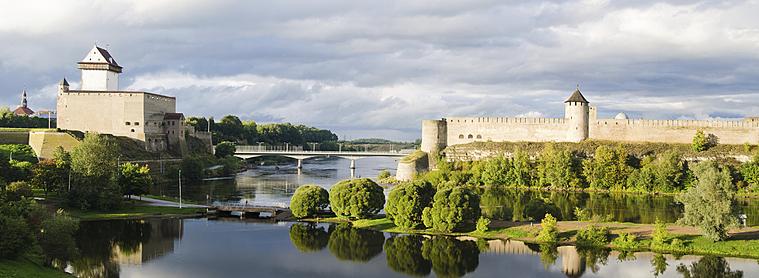 Narva, à la frontière entre la Russie et l'Estonie !