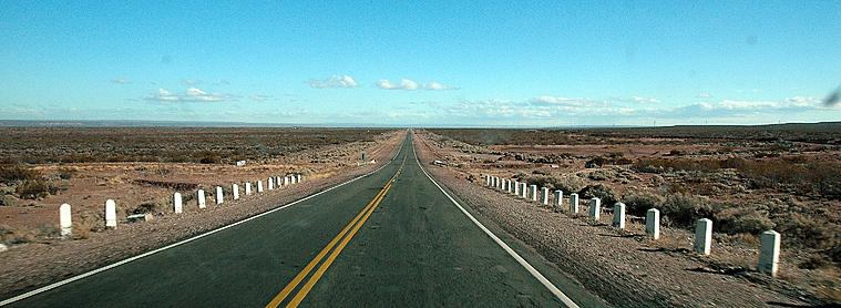 Road trip en Argentine : ligne droite et grande distance mais aussi liberté et sentiment d'être le seul touriste du pays !