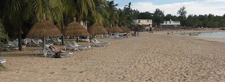 La petite plage Saly, au Sénégal