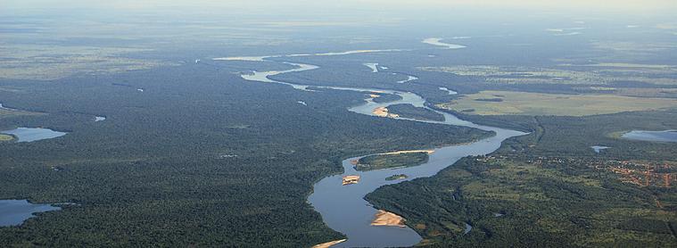 La rivière Araguaia, Amazonie, au Brésil.