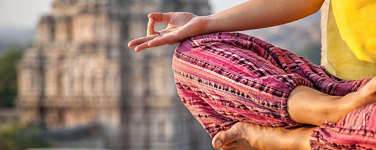 Triángulo de Oro con Yoga y Meditación