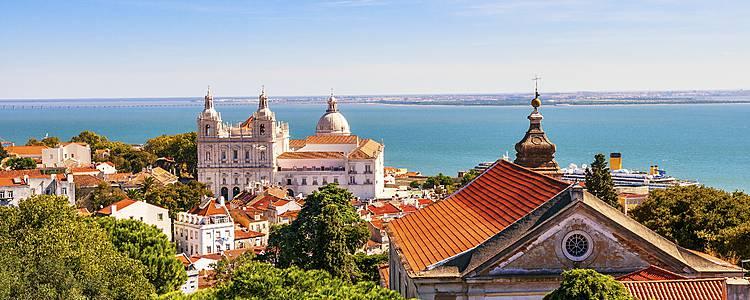 Dalla Capitale del Nord alla Capitale del Sud: selfdrive da Porto a Faro