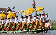 Le Festival de Phaung Daw Oo sur le lac Inle (octobre)