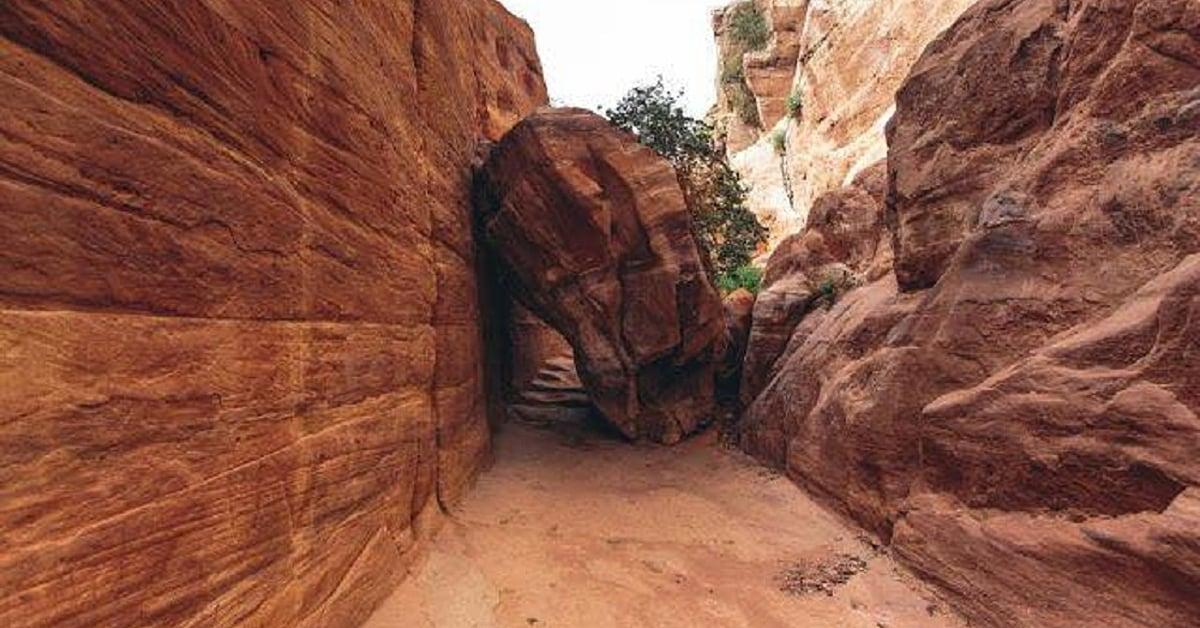 Voyage à pied : Randonnée entre les canyons