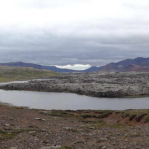 Montagnes, déserts et rivières -