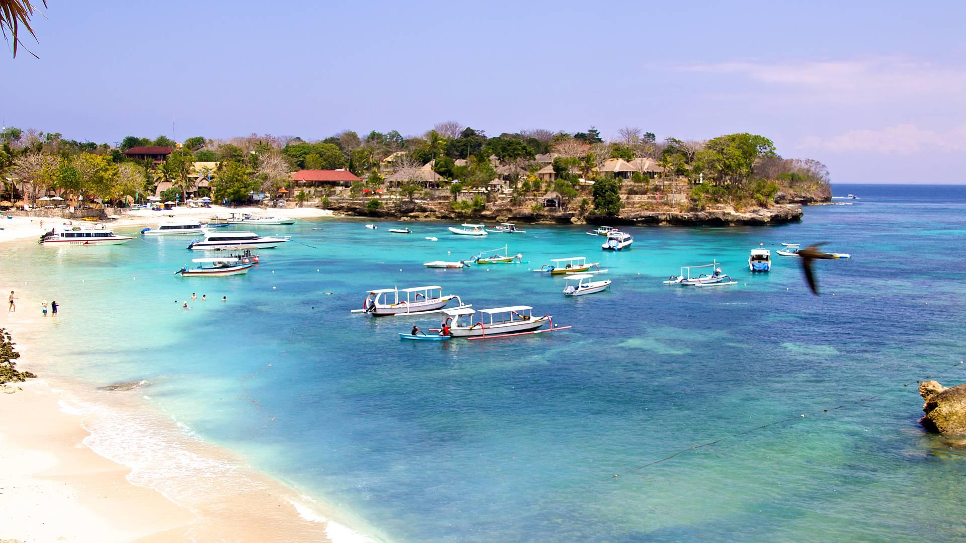 Immersione tra natura e villaggi balinesi e mare a Nusa Lembonga