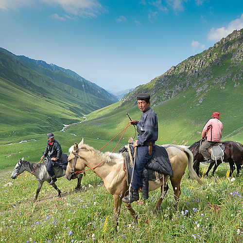 Trek et rencontre avec des Nomades Kirghizes - Bichkek -
